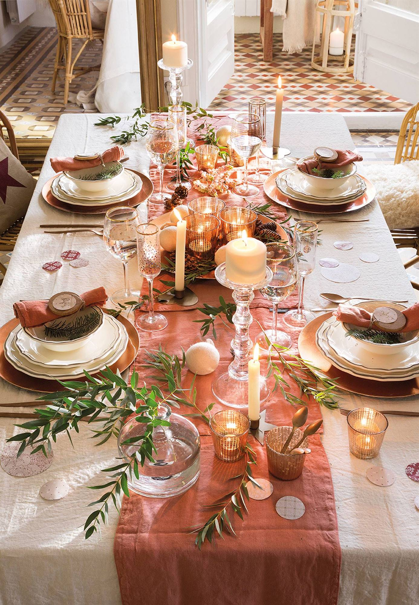 00444854 cadbb956 1386x2000 1 - Decora tu mesa de Navidad