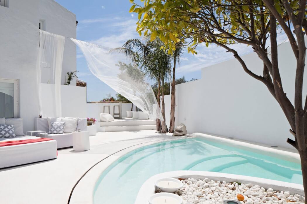 1 10 - Villa Mandarina: Paraíso blanco en Casares (Costa del Sol) lleno de encanto, luz y mar