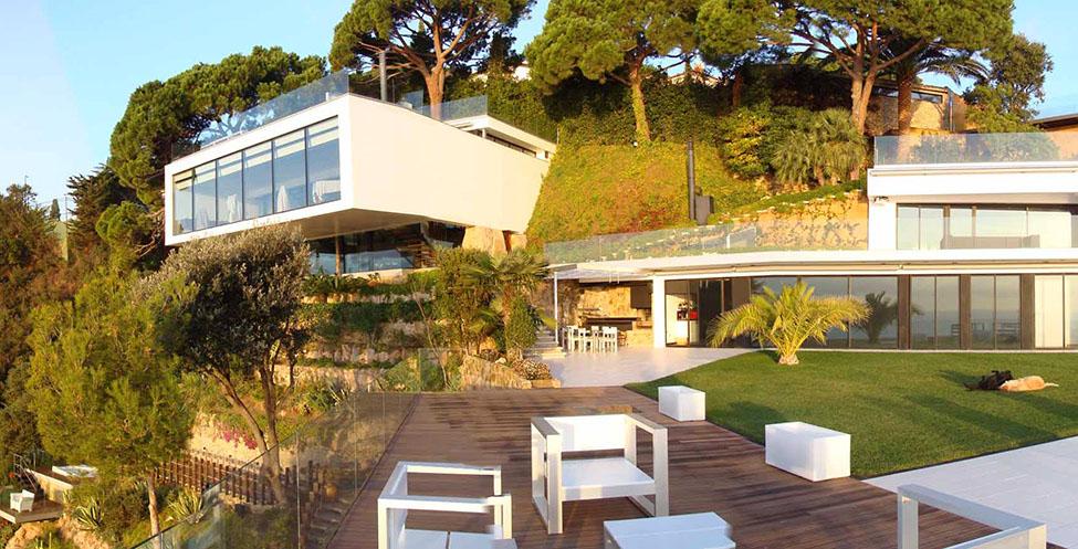 1 12 - Diseño en el acantilado en una fantástica casa en Tossa de mar (Costa Brava, Girona)