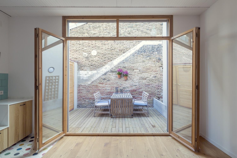 """1 4 - """"La Casa de Juno"""": original, sorprendente y práctica vivienda en Poblenou, Barcelona"""