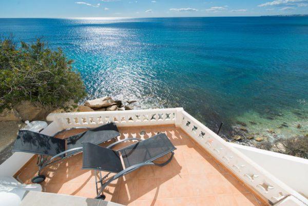 10 14 1 600x401 - Imagina vivir en esta casa con acceso directo a una cala paradisíaca de la Costa Blanca