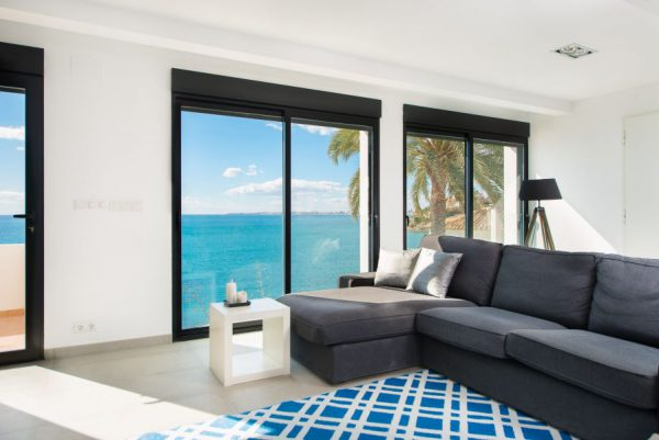 10 5 1 600x401 - Imagina vivir en esta casa con acceso directo a una cala paradisíaca de la Costa Blanca