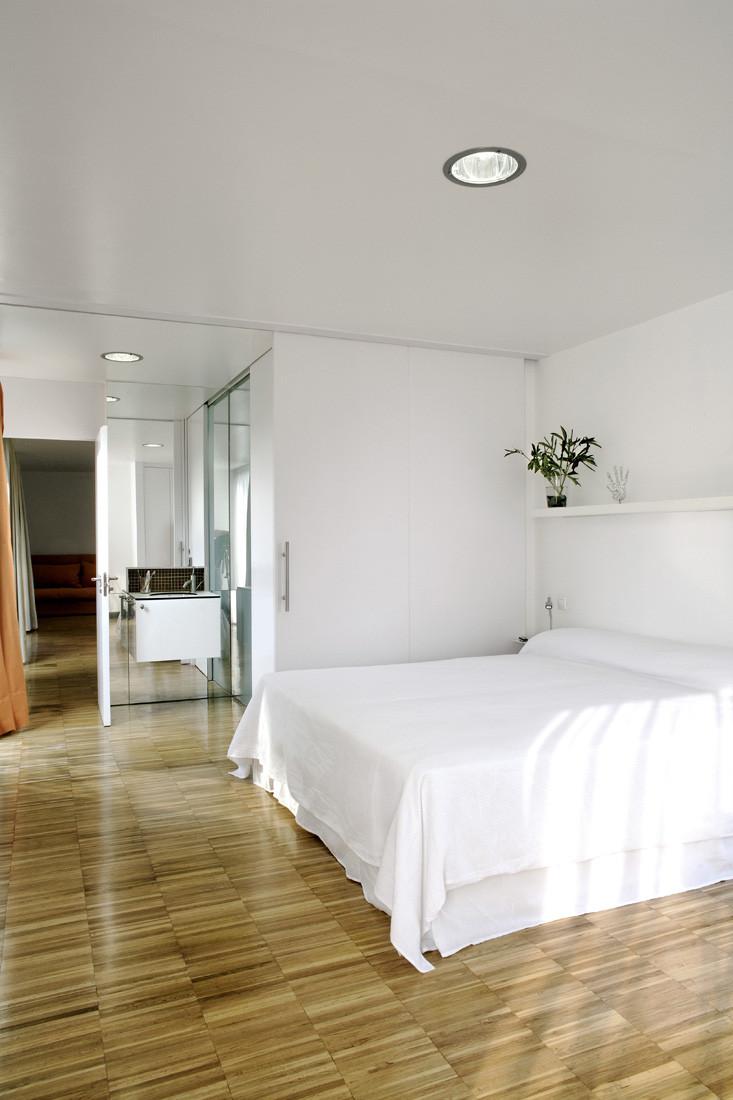 """10 dormitorio1 - Casa Os: """"Techo verde"""" en el Cantábrico en busca de olas, viento y mar (Loredo, Cantabria)"""