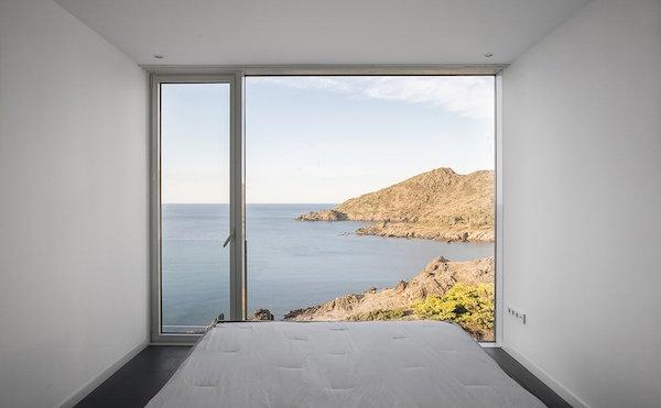 """1010 - """"Casa Girasol"""" en Costa Brava, o las múltiples y geniales vistas entre la montaña y el mar"""