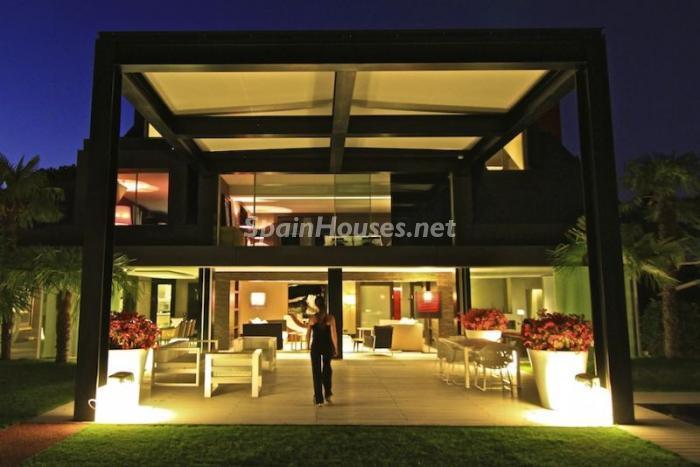 1014268 4343018 19 - Casa de la semana: grandes espacios minimalistas