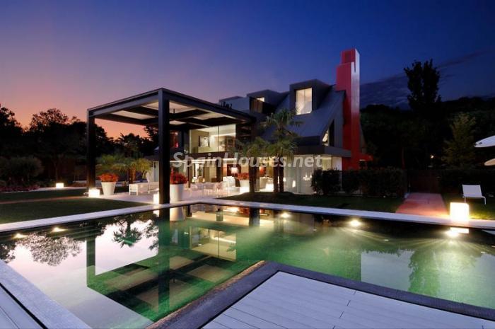 1014275 4343018 2 - Casa de la semana: grandes espacios minimalistas