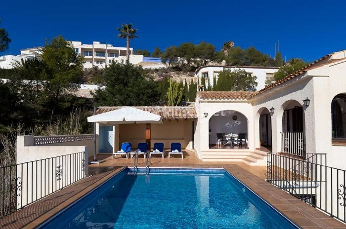 1111 - Genial villa en alquiler de vacaciones en Benissa (Costa Blanca): valle, montaña y mar