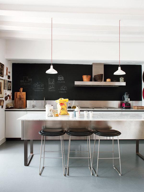 1121 - Toque cosmopolita y un patio interior encantador en un piso en el Gòtic de Barcelona