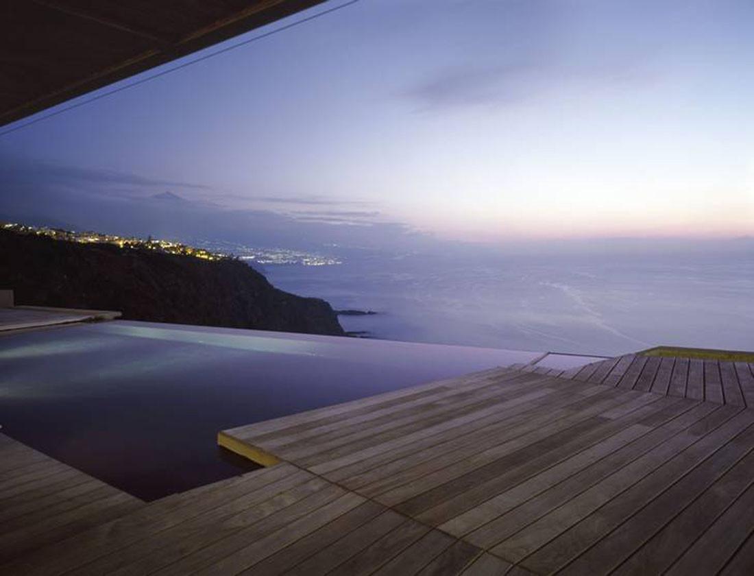 1130 - Espectacular casa sobre el mar en un acantilado en Tacoronte (Tenerife, Canarias)