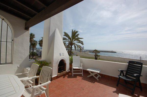 11852 2286910 foto 893075 600x399 - ¡Llegó el buen tiempo! y con él, las casas más espectaculares a pie de playa