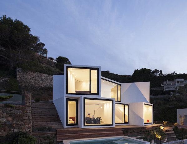 """1212 - """"Casa Girasol"""" en Costa Brava, o las múltiples y geniales vistas entre la montaña y el mar"""