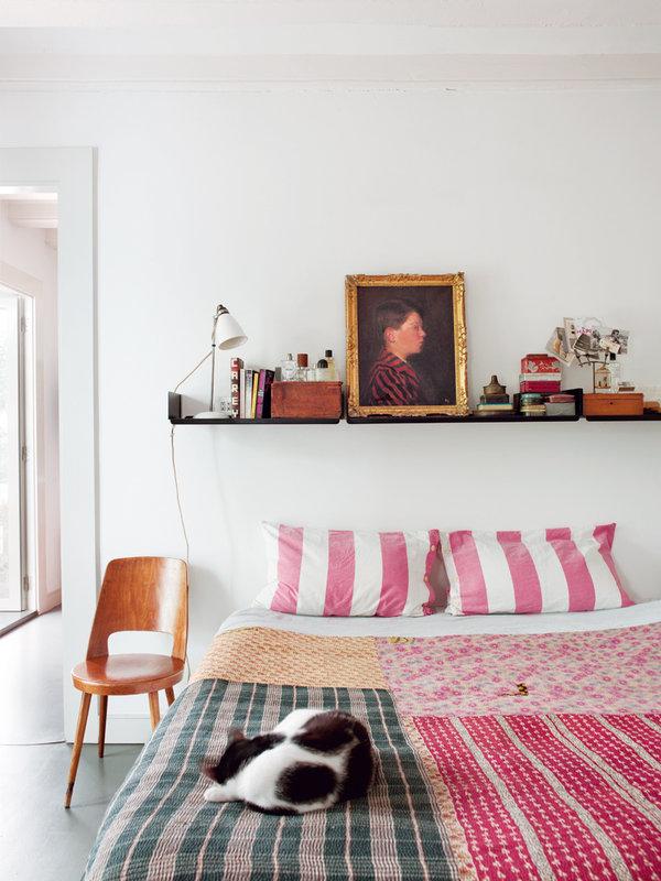 1218 - Toque cosmopolita y un patio interior encantador en un piso en el Gòtic de Barcelona