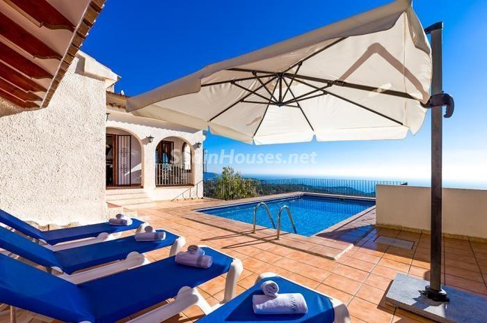 127 - Genial villa en alquiler de vacaciones en Benissa (Costa Blanca): valle, montaña y mar