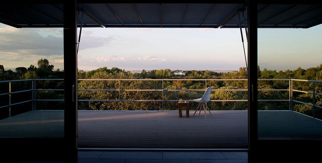 13 15 - Casa futurista o bella nave espacial para vivir en La Moraleja (Alcobendas, Madrid)