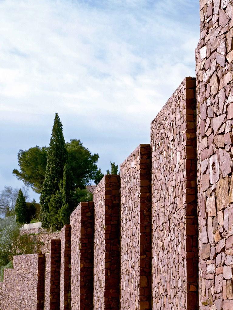"""1322 - """"Paz y Comedias"""": Piedra, elegancia y armonía en la Sierra de Valencia"""