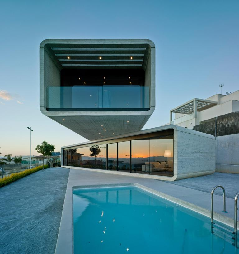 136 - Casa Cruzada: Elegante, imponente y singular casa en Molina de Segura (Murcia)