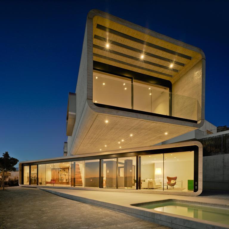 137 - Casa Cruzada: Elegante, imponente y singular casa en Molina de Segura (Murcia)