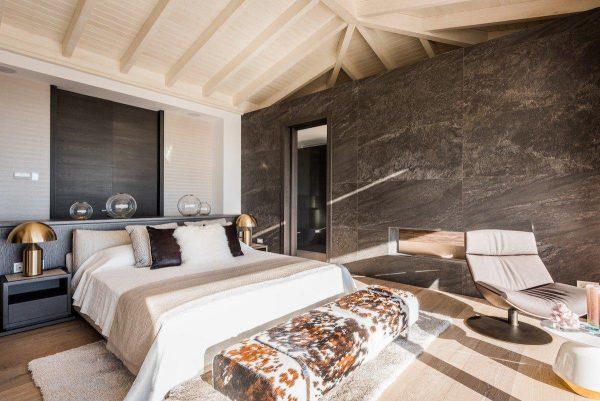 14132 2022382 foto 112649 600x401 - Arte, diseño y unas impresionantes vistas unidos en esta villa en Benahavís (Málaga)