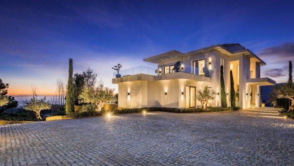 14132 2022382 foto 295519 600x338 - Arte, diseño y unas impresionantes vistas unidos en esta villa en Benahavís (Málaga)