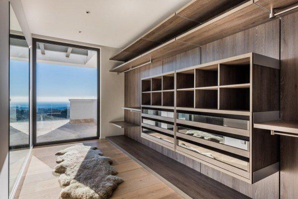 14132 2022382 foto 342427 600x401 - Arte, diseño y unas impresionantes vistas unidos en esta villa en Benahavís (Málaga)