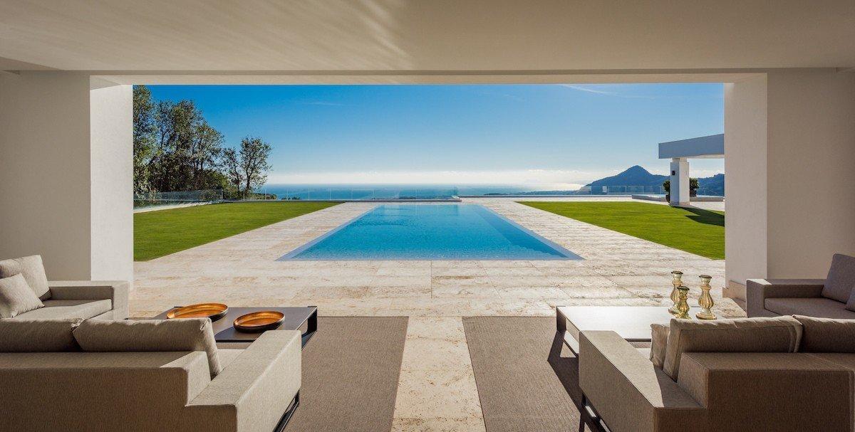 14132 2022382 foto 524447 - Arte, diseño y unas impresionantes vistas unidos en esta villa en Benahavís (Málaga)