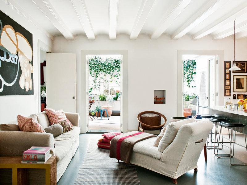 156 - Toque cosmopolita y un patio interior encantador en un piso en el Gòtic de Barcelona