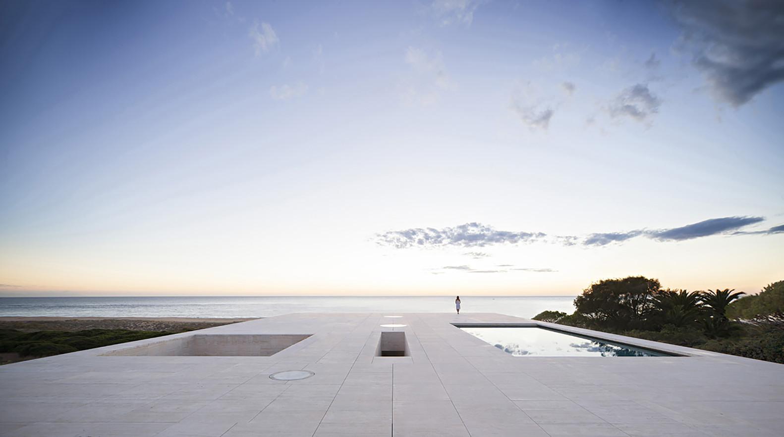 """16 4 - """"Casa del infinito"""": Horizonte espectacular de cielo y mar en Zahara de los Atunes (Cádiz)"""