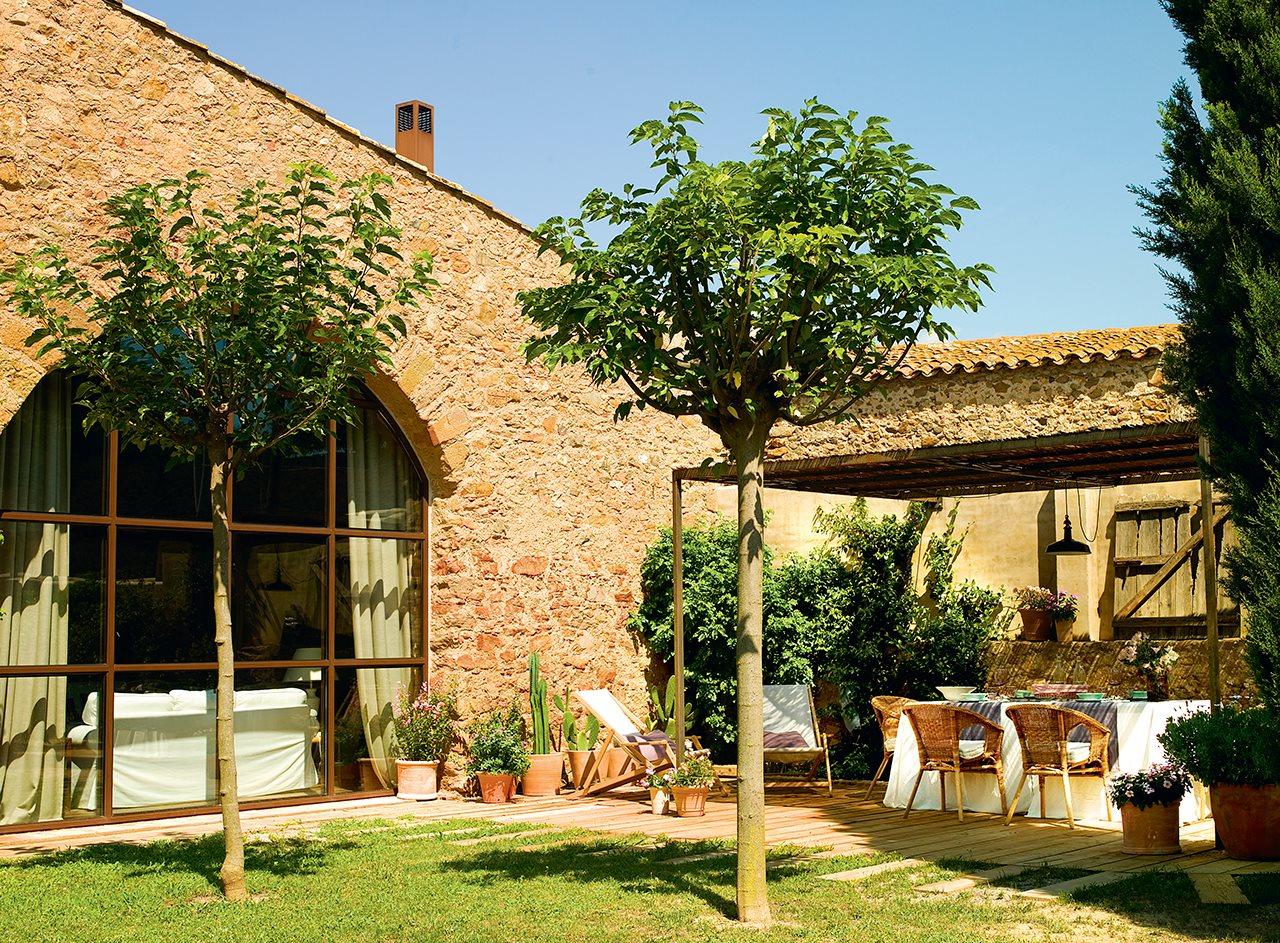 169 - De antiguo pajar a una casa con verdadero encanto en la costa del Ampurdán (Girona)