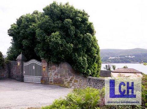 174337 1221622 foto25626190 - Vivir como reyes en un castillo del siglo XVIII en Finisterre, Galicia