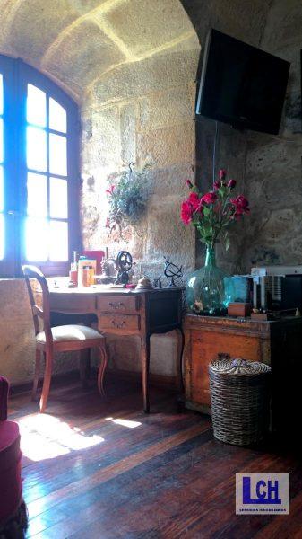 174337 1221622 foto54765793 337x600 - Vivir como reyes en un castillo del siglo XVIII en Finisterre, Galicia