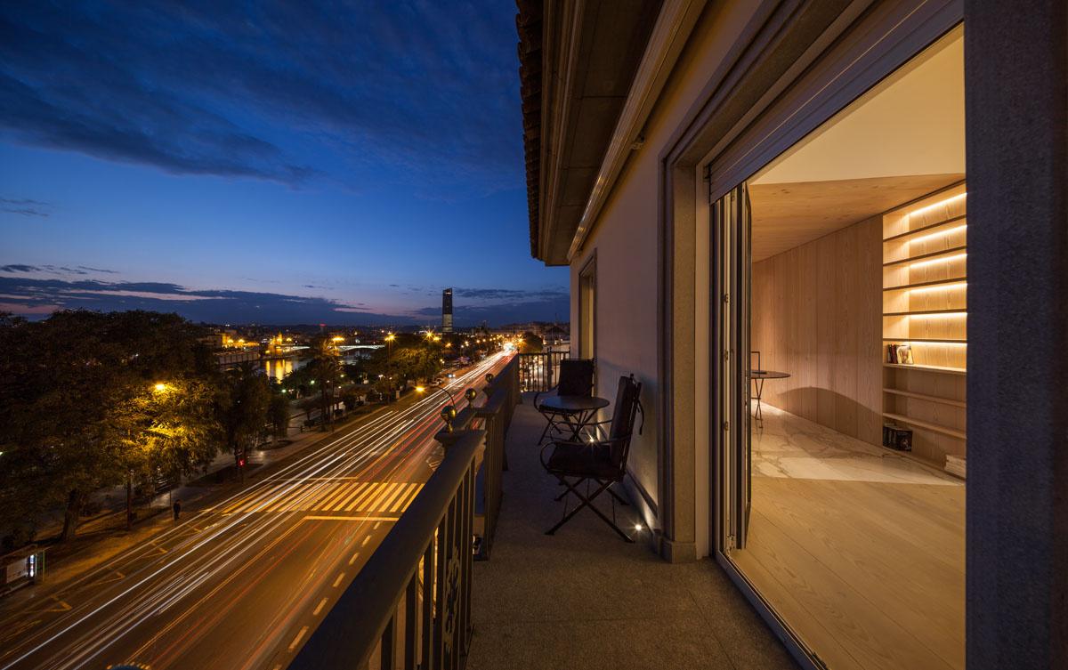 176 - Fantástico y moderno ático en Sevilla de elegante y cálido diseño minimalista