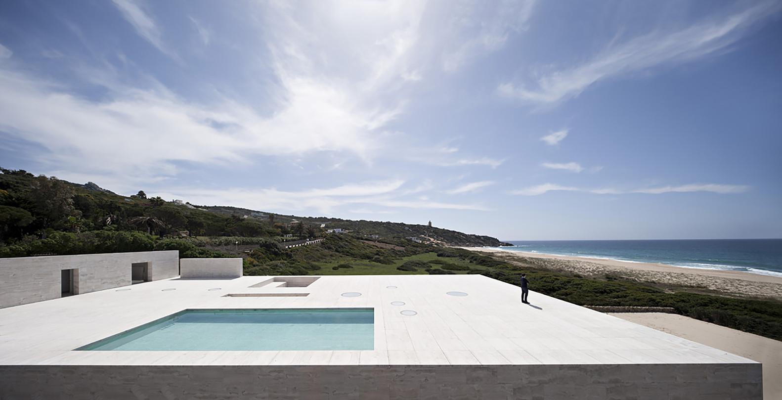 """18 3 - """"Casa del infinito"""": Horizonte espectacular de cielo y mar en Zahara de los Atunes (Cádiz)"""