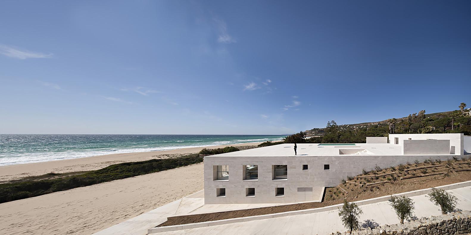 """2 13 - """"Casa del infinito"""": Horizonte espectacular de cielo y mar en Zahara de los Atunes (Cádiz)"""
