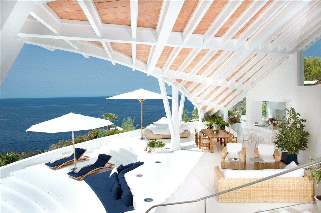 2 17 - Espectacular villa en Puerto de Andratx (Mallorca), con un fantástico diseño de gaviota
