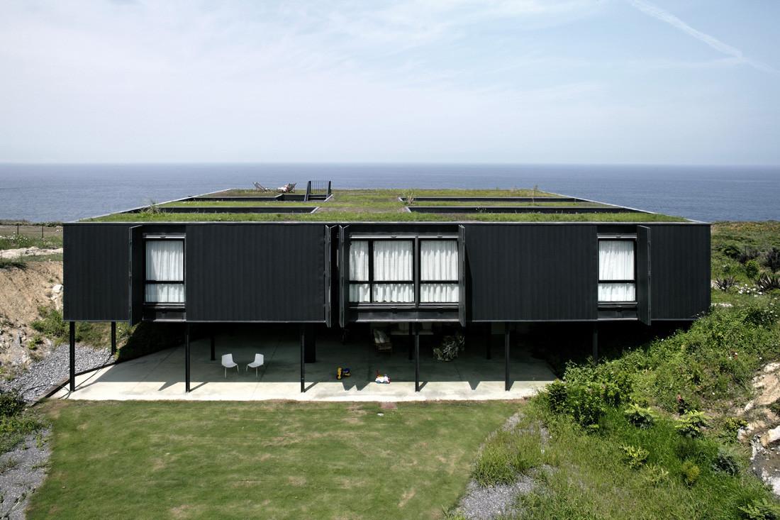 """2 casa1 - Casa Os: """"Techo verde"""" en el Cantábrico en busca de olas, viento y mar (Loredo, Cantabria)"""