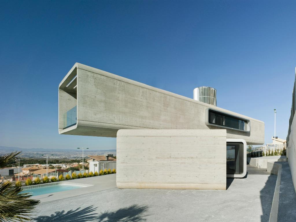 215 - Casa Cruzada: Elegante, imponente y singular casa en Molina de Segura (Murcia)