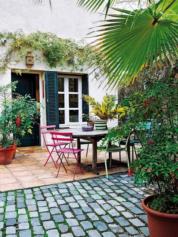 224 - Preciosa casa con un romántico patio ajardinado en pleno corazón de Madrid