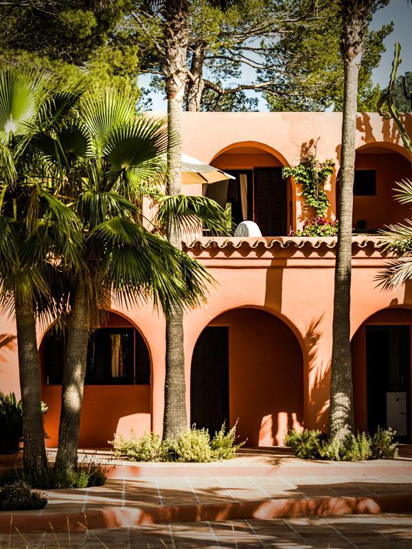 "228 - Preciosa casa con un armonioso y cálido ambiente ""chill out"" en Cala D´Hort, Ibiza"