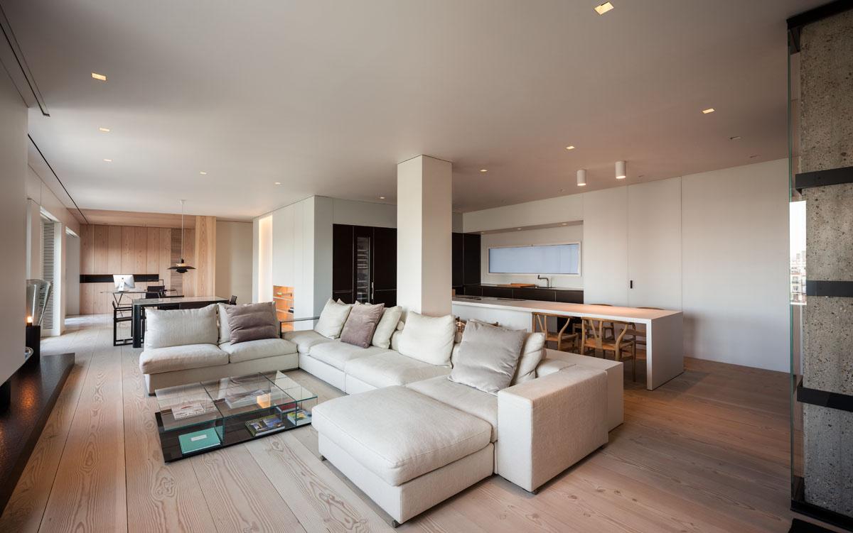 235 - Fantástico y moderno ático en Sevilla de elegante y cálido diseño minimalista