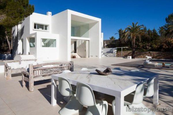 23742 1382476 foto30653509 600x399 - El diseño arquitectónico del futuro: casas con estructura moderna