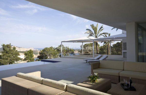 23742 2072455 foto 666670 600x392 - Villas perfectas para disfrutar de todas las ventajas que ofrece un porche