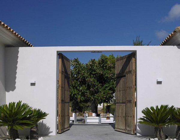 23742 2072457 foto 065990 600x469 - Desde esta villa en Ibiza podrás admirar la increíble belleza de la isla