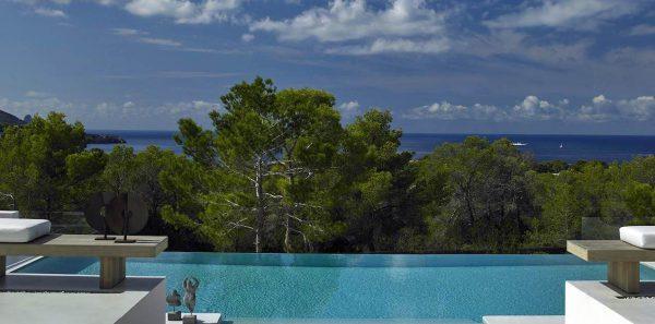 23742 2072457 foto 822046 600x297 - Desde esta villa en Ibiza podrás admirar la increíble belleza de la isla