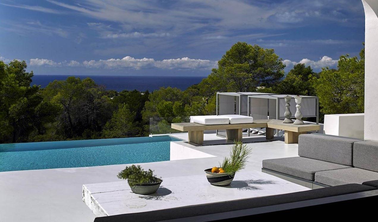23742 2072457 foto 997220 - Desde esta villa en Ibiza podrás admirar la increíble belleza de la isla