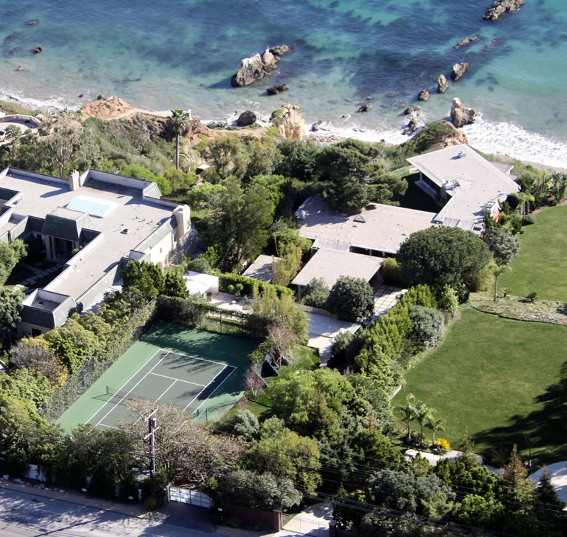 25 agosto Brad Pitts home - Brad Pitt's Malibu Home for Sale