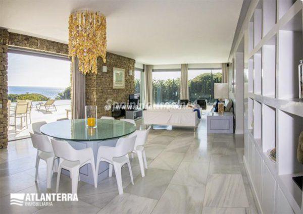 25885350 1577985 foto42081207 600x424 - Para los amantes de Cádiz, moderna villa de estilo contemporáneo en Zahara de los Atunes
