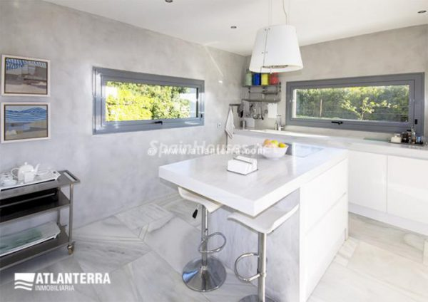 25885350 1577985 foto42081211 600x424 - Para los amantes de Cádiz, moderna villa de estilo contemporáneo en Zahara de los Atunes