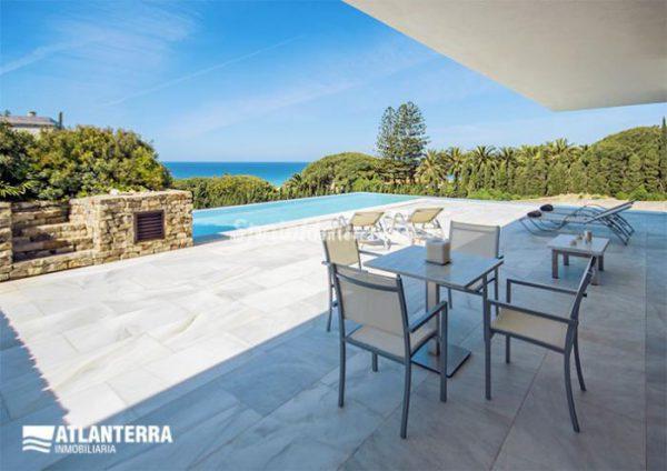 25885350 1577985 foto42081213 600x424 - Para los amantes de Cádiz, moderna villa de estilo contemporáneo en Zahara de los Atunes