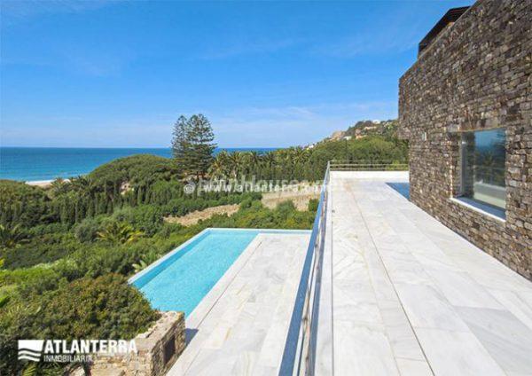 25885350 1577985 foto42081236 600x424 - Para los amantes de Cádiz, moderna villa de estilo contemporáneo en Zahara de los Atunes