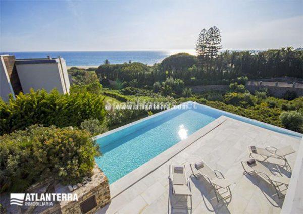 25885350 1577985 foto42081238 600x424 - Para los amantes de Cádiz, moderna villa de estilo contemporáneo en Zahara de los Atunes